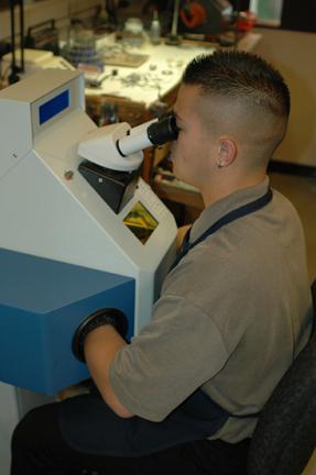Laser Welding Eyeglass Frame Repair : New Laser Weld Technology Repairs Fine Jewelry to Eyeglass ...
